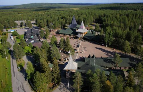More and more companies in Santa Claus Village are using so called green electricity.